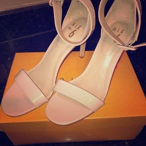 A pair of size 8 heels.